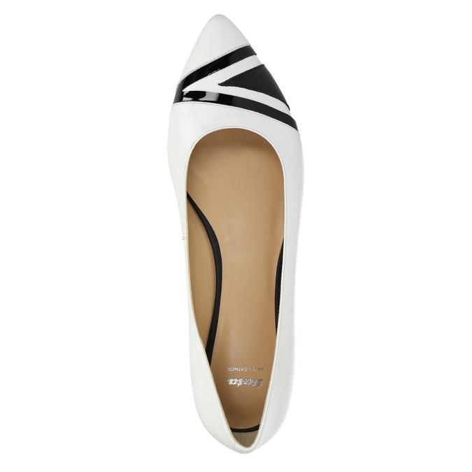 Skórzane damskie baleriny bata, biały, 524-1602 - 19
