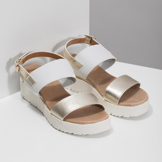 Sandały damskie ze złotymi paskami, na platformie bata, biały, 661-1614 - 26