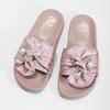 Różowe satynowe klapki zperełkami bata, różowy, 569-5615 - 16