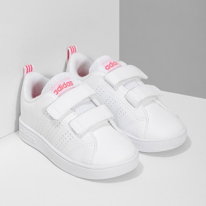 Białe trampki dziecięce zperforacją I zapięciami na rzepy adidas, biały, 101-5133 - 26